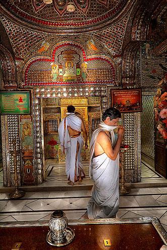 Джайнистский храм Дигамбар-Джайн